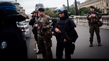 Employee kills 4 officers at Paris police HQ