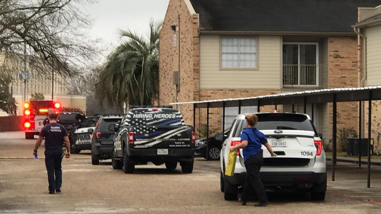 One person hurt in shooting at Mosaic Apartments in Beaumont