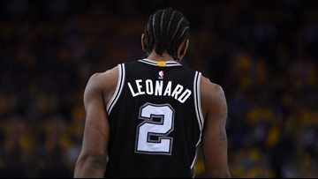 Bye, Kawhi! Spurs trade Leonard, Green to Toronto for DeRozan, Poeltl, draft pick