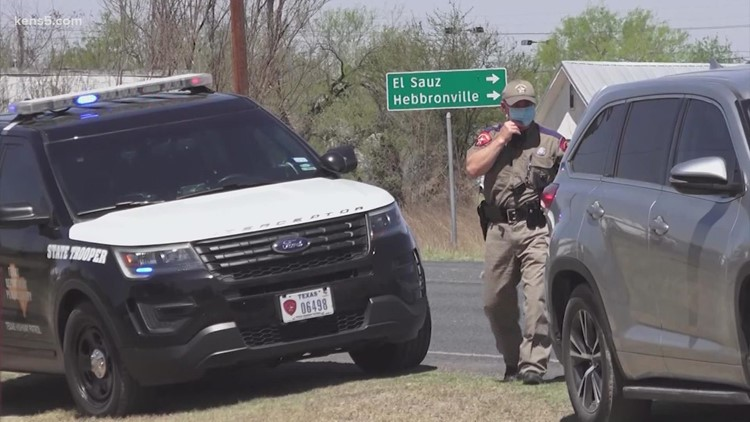Federal judge temporarily blocks Abbott's controversial order allowing troopers to stop cars suspected of carrying migrants