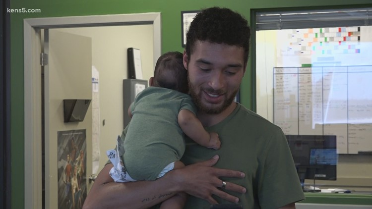 Father takes newborn baby to ASVAB practice test as he prepares to join Army Reserve