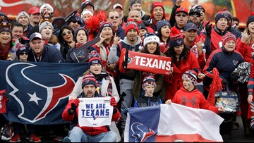 Texas sports fans will soon be allowed to attend outdoor pro games, Gov. Greg Abbott says