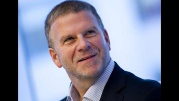 Houston billionaire Tilman Fertitta to buy Rockets