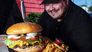 Massive 4.5-pound burger in Pasadena is free -- if you can eat it in an hour