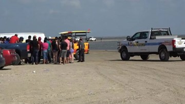 U.S. Coast Guard leading search for 16-year-old swimmer missing at Matagorda Beach