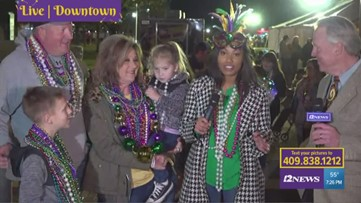Mardi Gras Highlights | Girl says mermaid was her favorite part of the parade