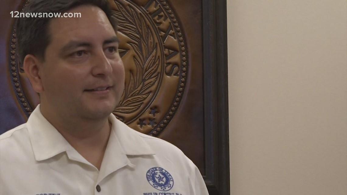 1st civil arrest warrant issued to compel Texas Democrat to return to Austin