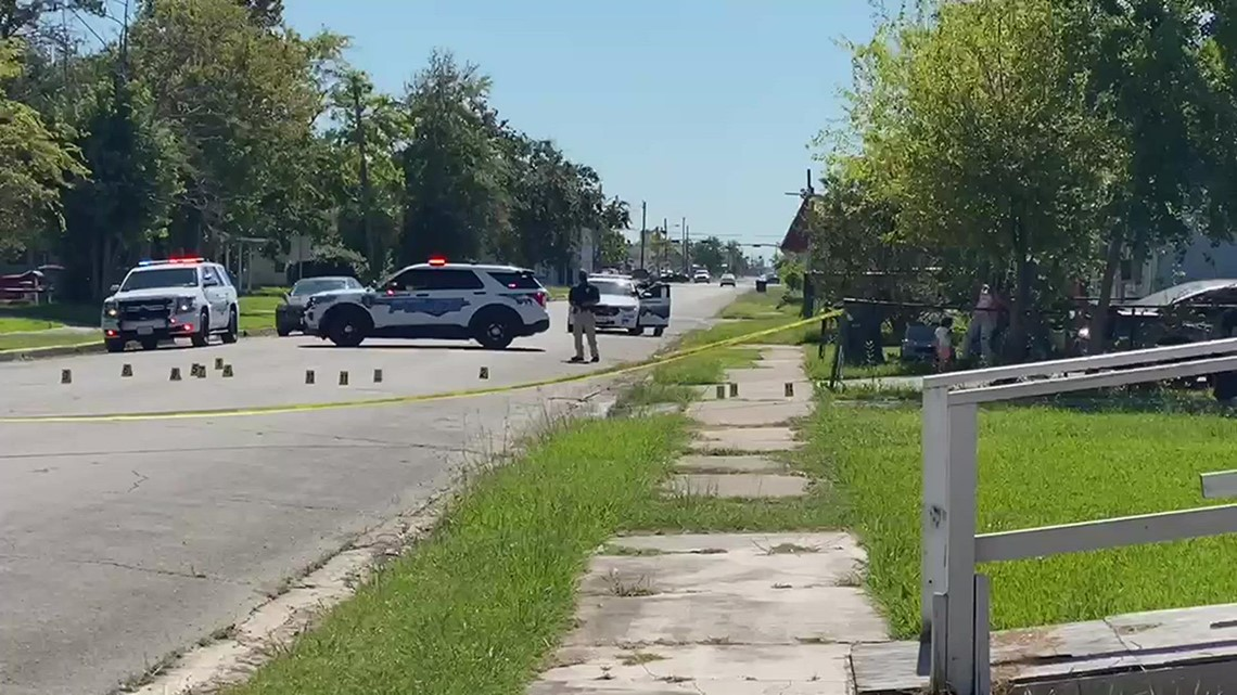 RAW: Daylight shooting in Port Arthur sends 1 to the hospital