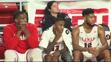 Lamar snaps three-game losing streak