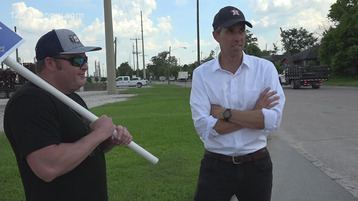 Beto O'Rourke visits Beaumont, urges end to ExxonMobil, USW union lockout