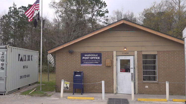 Months after Imelda, Mauriceville post office reopens its doors