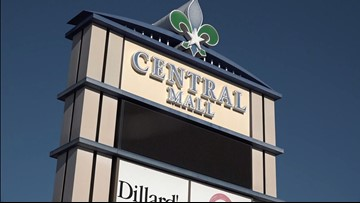 Nederland woman asked to remove offensive shirt at Central Mall