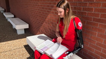 'I just worked hard' | Lamar student born with one arm, graduates with nursing degree