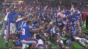 The Bruins react to advancing to 6A State Championship game