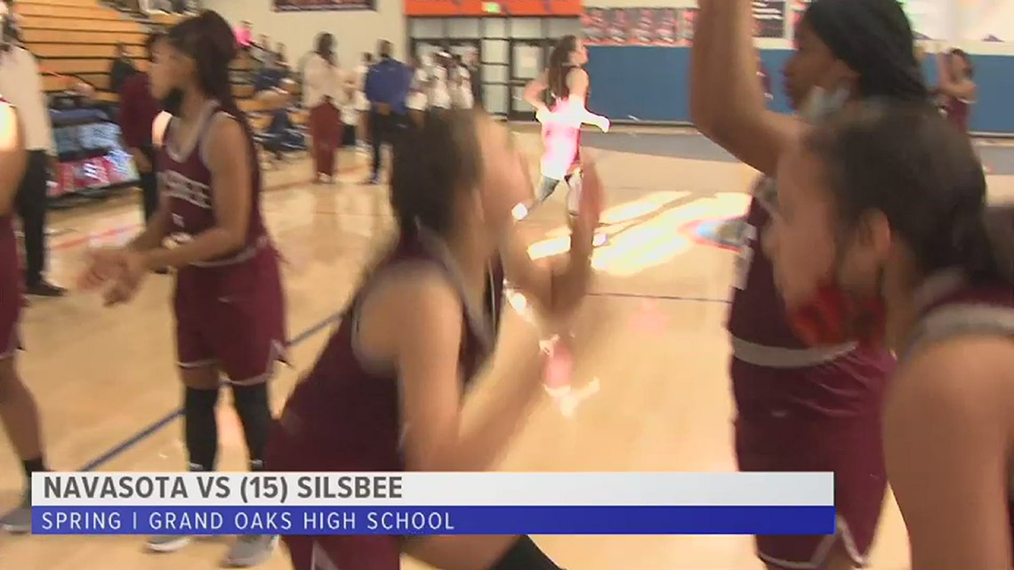 Silsbee holds off Navasota to advance to Quarterfinals