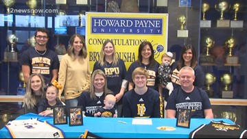 Evadale's Bryce Tousha signs with Howard Payne