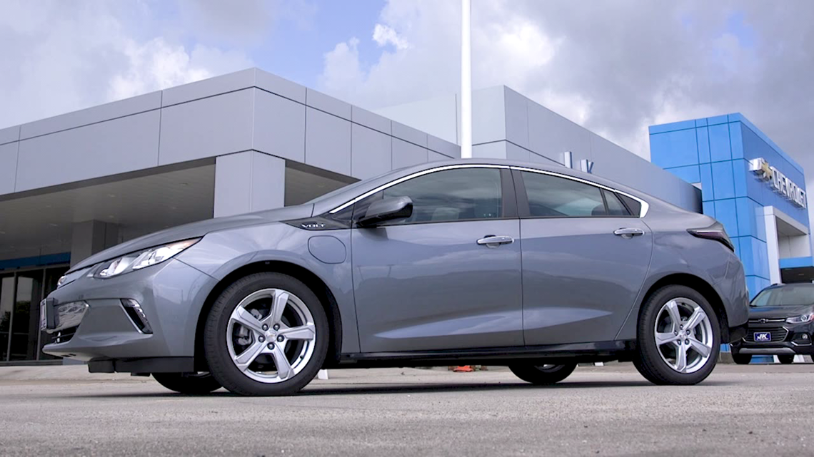 Check out this 2019 Chevrolet Volt hybrid electric car on 12News Test Drive