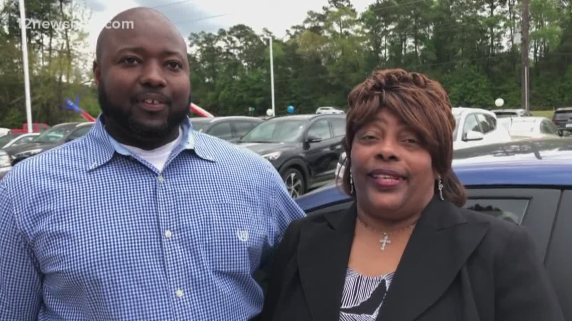 Beaumont man wins free car in Beaumont NAACP giveaway
