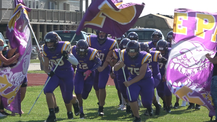 409Sports Two-A-Days: Sabine Pass to lean on experienced line in 2021