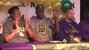 Locals take advantage of early signing period