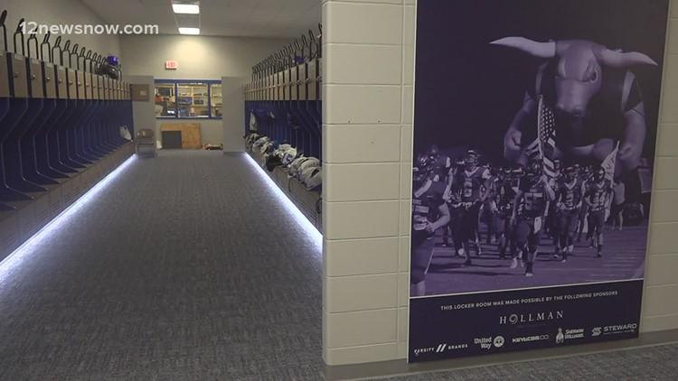 Hampshire-Fannett High School unveils new locker rooms after winning nation-wide contest