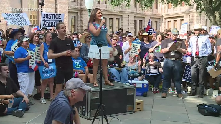 Crowd rallies outside Texas State Capitol in support of voting rights