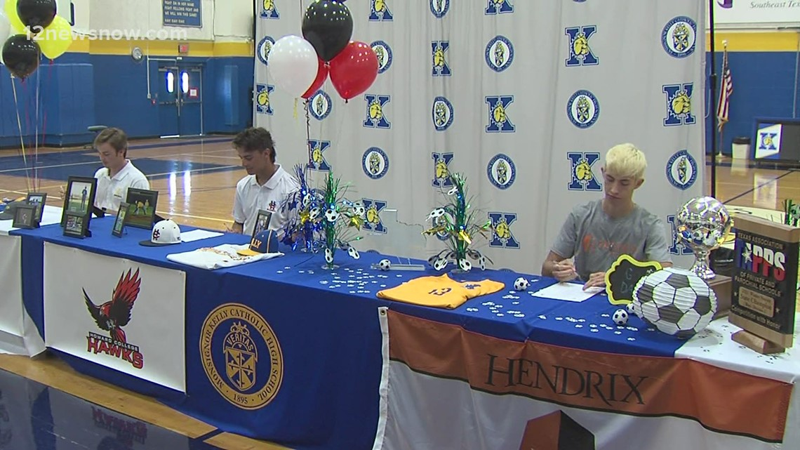 Three Kelly athletes sign to play at next level