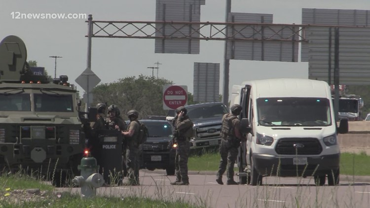 Man with gun runs into Enterprise Rent-a-Car triggering 2 hour standoff with Beaumont Police Wednesday