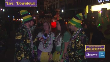 Mardi Gras Highlights | #409Sports team gets pelted by bead in downtown Beaumont parade