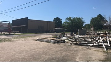 'Like a piece of my heart going down,' Vautrot's in Bevil Oaks removing last of damaged restaurant on Saturday