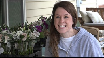 Missouri florist gives away flowers from postponed weddings to cheer people up