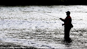 Man reels in rifle while fishing at Texas lake