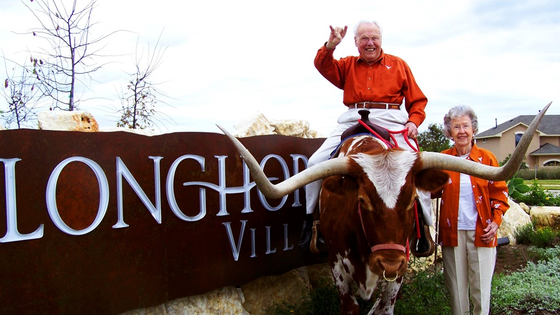 Former Longhorns share secrets to becoming the world's oldest married couple