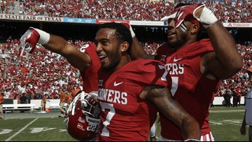 'Horns Down' gesture could land OU a penalty in Big 12 Championship against UT