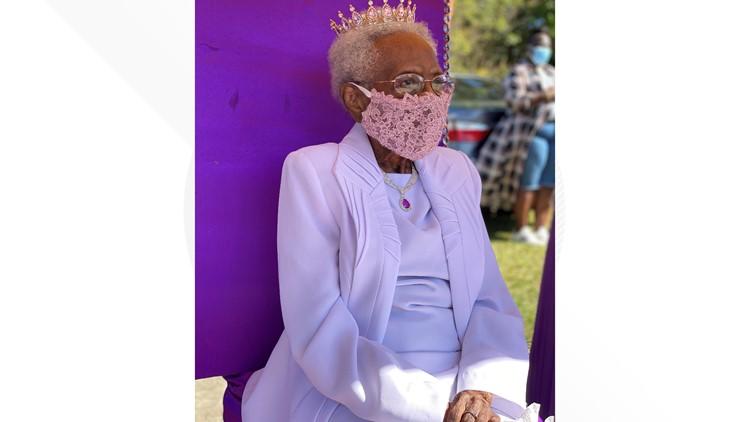 Macon woman turns 100, celebrates with birthday parade