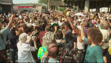 Despite the heat, New Orleans gave Dr. John the goodbye he deserved