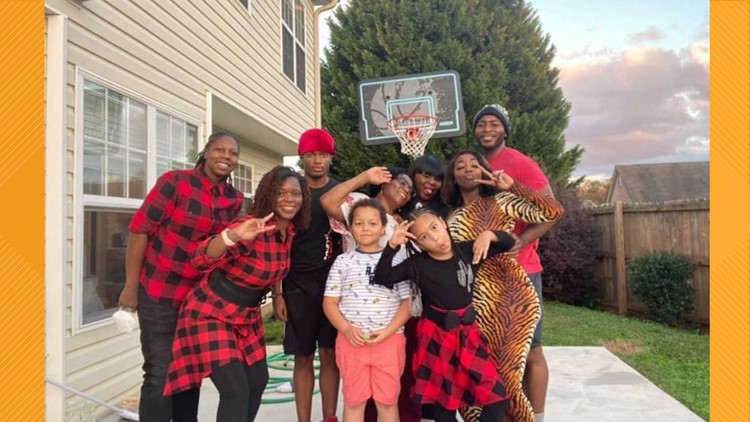 Atlanta siblings team up to pay off mom's mortgage
